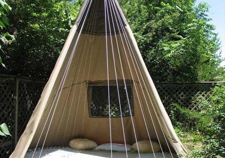 Trampoline Tent Swing. I seriously want one. The kids would love it!!!