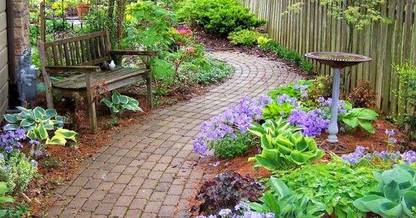 25 ideas de dise os r sticos para decorar tu patio vida for La bioguia jardines