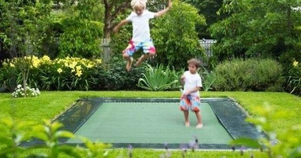 Trampolin Springen Hupfen Kinder Spielplatzgerate Garten Spielplatz Bodentrampolin Outdoor Spiel Ideen