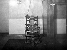 Les Differents Types De Chaise Du Design Et Du Confort Pas Toujours Chaise Chaise Electrique Table De Jeux