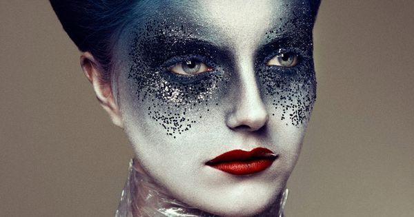 Cool makeup idea - Hype4 Fall 2011 issue editorial titled 'Witchcraft' -