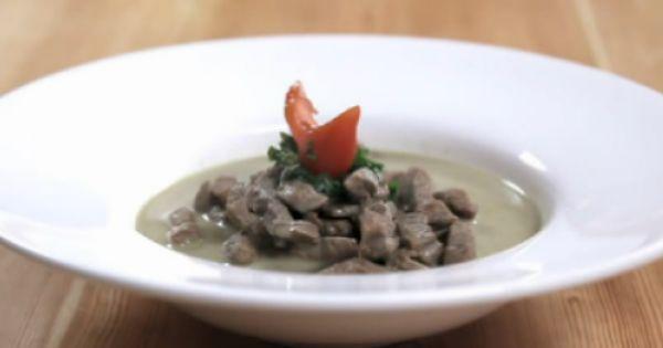 طريقة عمل وصفة شرائح اللحمة بصلصة الكاري الخضراء Dishes Food Meat