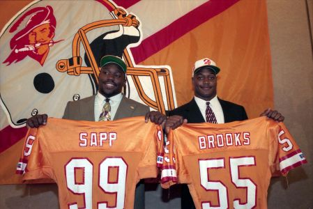 Definitely The Day The Franchise Began To Turn Around Sapp And Brooks Hofers Showing That Tampa Bay Bucs Tampa Bay Buccaneers Football Tampa Bay Buccaneers