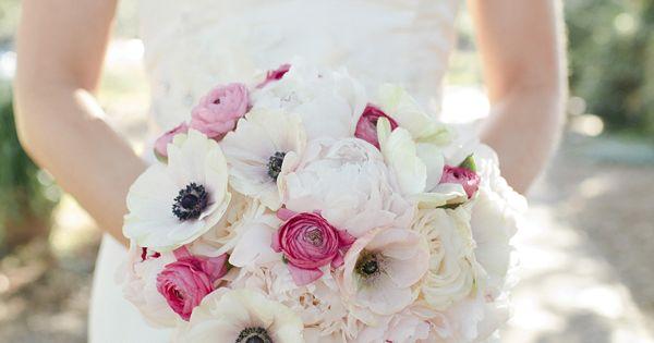 Kellie Kano White Bridal Bouquets Cleveland And Wedding Flowers
