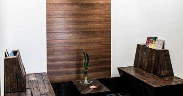 Sala de espera con muebles y panel de pal s waiting room - Reciclaje de pales ...
