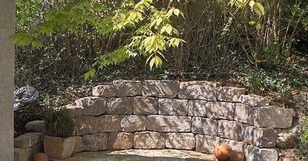 muschelkalk wechsel trockenmauer als halbrunde sitzmauer. Black Bedroom Furniture Sets. Home Design Ideas