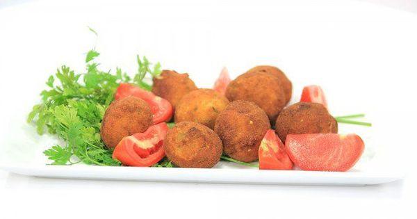Cbc Sofra طريقة عمل كرات البطاطس بالجبنة الرومى ماجي حبيب Recipe Appetisers Recipes Appetizers
