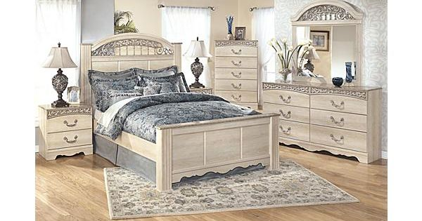 The Catalina Poster Bedroom Set From Ashley Furniture Homestore Alive With A Light