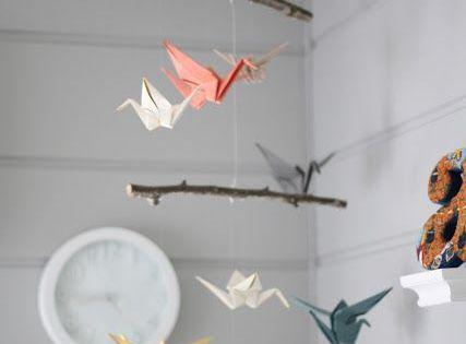 origami kranich mobile ein kranich am tag pinterest hiroshima origami und mobiles. Black Bedroom Furniture Sets. Home Design Ideas