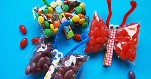 cute party favors.... Also a good idea as a kindergarten snack (filled