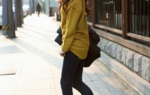 Laid back style Skinny Black tights or pants Running shoes of any