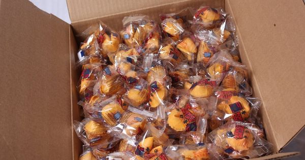 Golden Bowl Fortune Cookies Vanilla Flavor 350 Count Box Tried It Love It Click The Image Fresh Groc Fortune Cookie Golden Bowl Funny Fortune Cookies