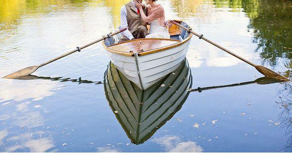 Boat Engagement Photo Ideas