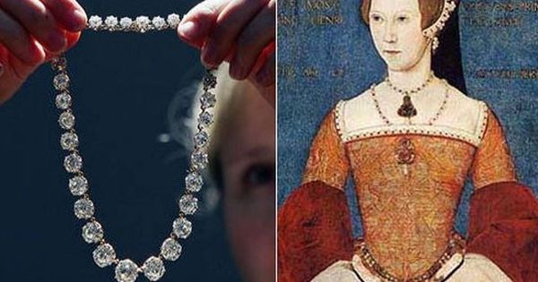 England's first female ruler, Queen Mary owned this beautiful Diamond Riviere. This