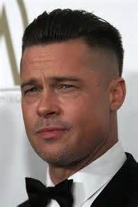 Populare Kunstler Brad Pit Mit Kurz Frisuren Manner Manner Frisur Kurz Haarschnitt Manner Haarschnitt Kurz