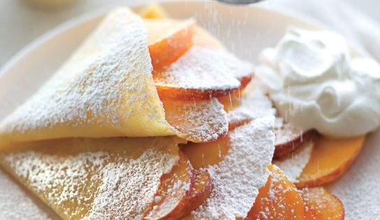 peaches & cream crepes