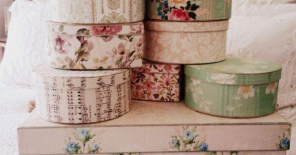 Boxes covered in vintage wallpaper brocante pinterest chique vintage behangpapieren en dozen - Shabby chique kamer ...