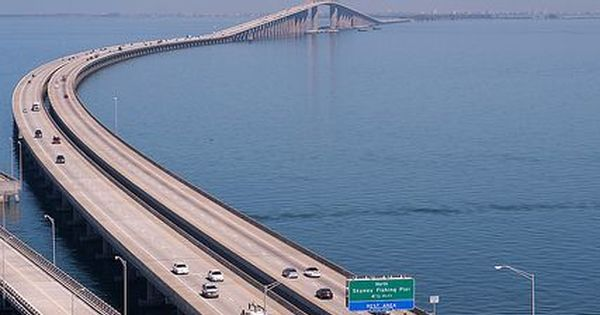 Bob graham sunshine skyway bridge is a bridge spanning for Sunshine skyway fishing pier