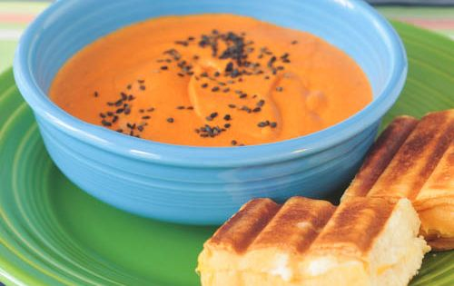 Creamy Tomato Soup (made with cashews)