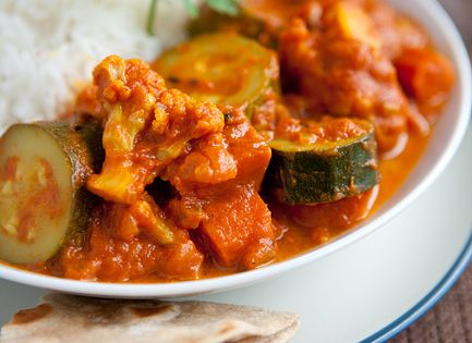 Easy Zucchini and Cauliflower Curry Recipe. Only 8 ingredients! | Veggie Belly