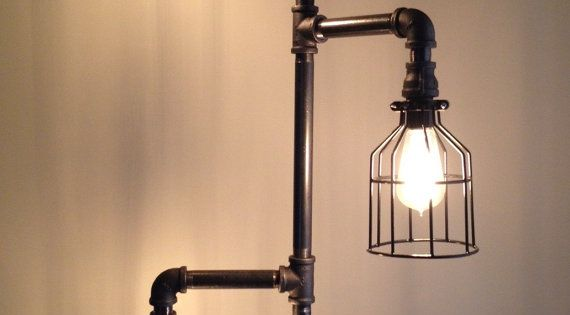 lampe de sol tuyau plomberie industrielle clairage design adana et industriel. Black Bedroom Furniture Sets. Home Design Ideas