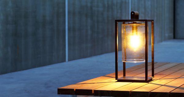 Lanterne lectrique pour l 39 ext rieur royal botania for Eclairage exterieur lanterne