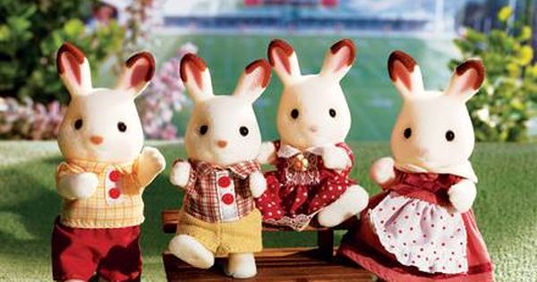Such A Bright And Sunny Day Calls For A Calico Critter Picnic Our 20th Advent Calendar Giveaway Is Your C Calico Critters Families Dolls House Figures Calico