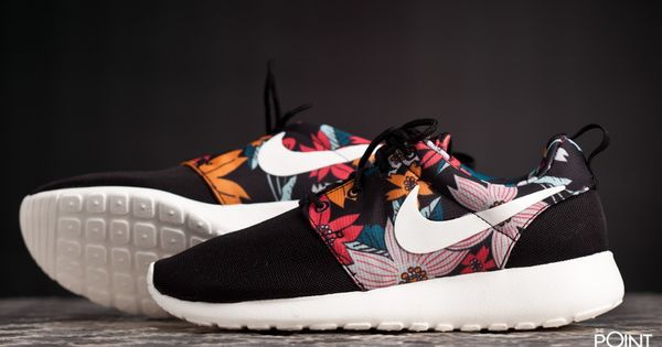 zapatillas nike roshe run aloha negro