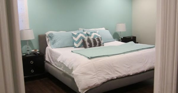 Aqua accent wall with grey...and that fan light!!