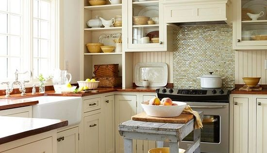 32 brilliant hacks to make a small kitchen look bigger for Kitchen cabinets for small apartments