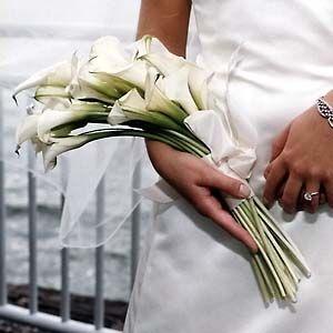Pin By Janice Marshall Pittman On Flowers Calla Lily Bouquet Wedding Lily Bouquet Wedding Calla Lillies Wedding