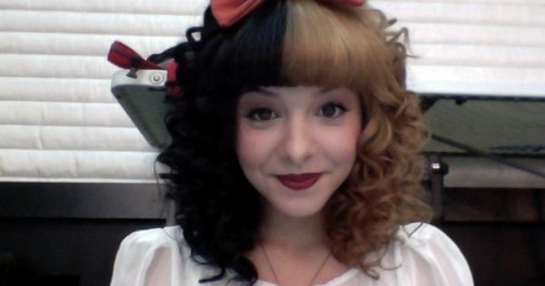 Melanie Martinez Melanielbbh On Twitter Melanie Martinez The Voice Melanie Martinez Hairdo