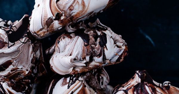 Chocolate swirl meringues with nutella whipped cream | Sweet, Sugary ...