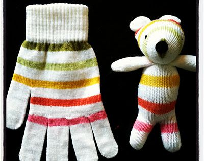 Cute idea to use those poor little matchless gloves we always end