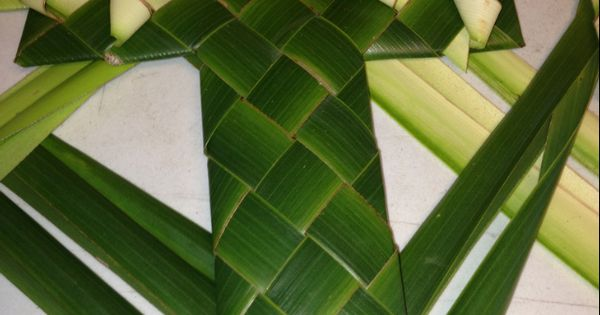 how to make a cross with a palm leaf