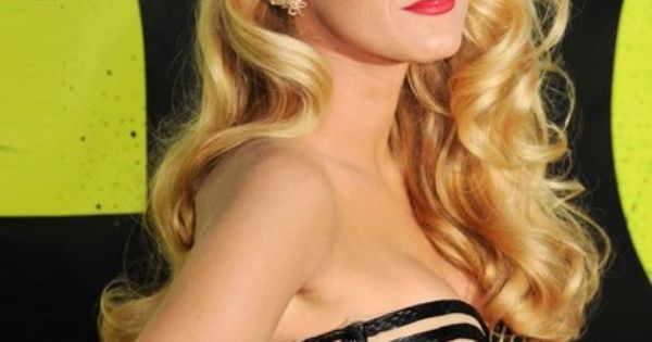 Old Hollywood glamour at its modern best... Blake Lively. LOVE the dress