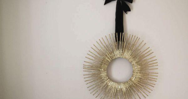 Beautiful DIY wreath. Holiday Crafts Part 1: Sparkly Starburst Wreath | Gilt