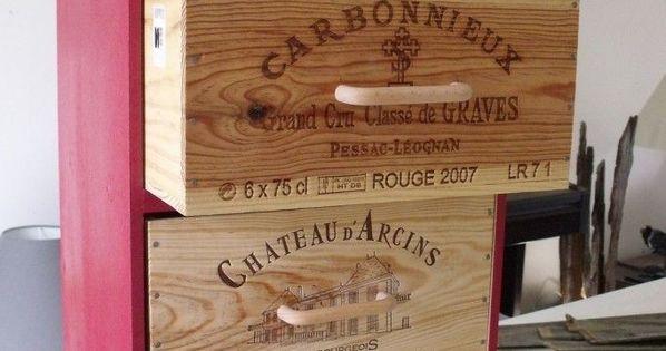 Des Planches Bois Des Caisses De Vin 1 Meuble Dans Un Cellier Ou Une Cuisine Deco Caisse De Vin Caisse A Vin Meubles En Caisse