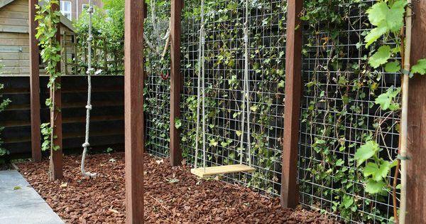 Handig idee voor in de tuin schommel enz aan een pergola stijlvol en leuk voor kinderen van - Wijnstokken pergola ...