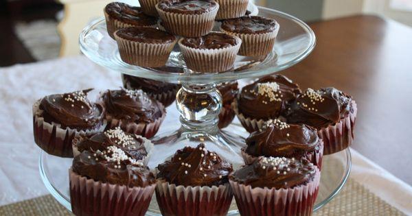 Red Velvet Sheet Cake With Nutella Fudge Icing Recipe — Dishmaps