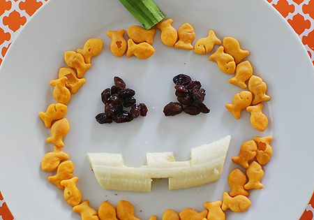 Cute after school snack idea for Halloween.