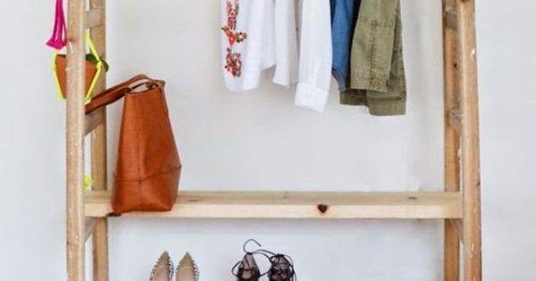 garderobe aus zwei leitern ein simpler selbermachen tipp zur flur gestaltung schlafzimmer. Black Bedroom Furniture Sets. Home Design Ideas