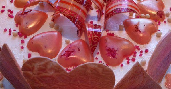 ... Italian meringue buttercream and white chocolate… | Pinteres