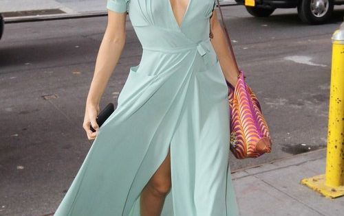 Miranda Kerr in floaty sea green dress