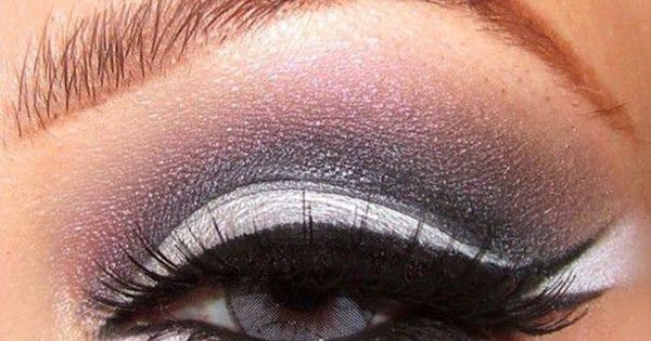 cat eye with top and bottom flick eye makeup
