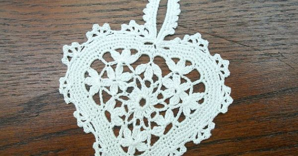 Crochet Quarter Keeper : ... Ideas Pinterest Lace Heart, Crochet Hearts and Beautiful Crochet