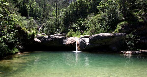 Una de las piscinas naturales mas bonitas dels set gorgs for Piscinas naturales urederra