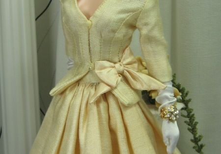 ..I love this beautiful yellow dress & hat..even barbie wears yellow!!!