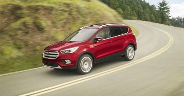 Ford Dealers Around Fort Bliss Illuminate The Trim Levels Of The 2017 Ford Escape Suv Cars Ford Escape Hybrid Car