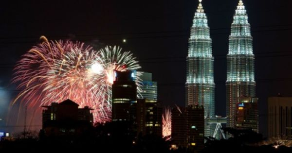 Fireworks Near Malaysia For New Years 2013 New Year S Eve Countdown Timeless Photography New Years Eve